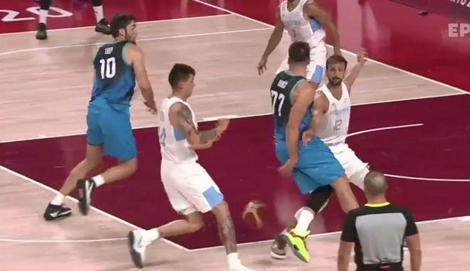 Ολυμπιακοί Αγώνες – Μπάσκετ: Αδιανόητη ασίστ του Ντόντσιτς πίσω από την πλάτη