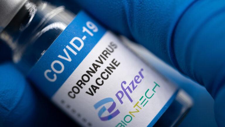 Pfizer: αποτελεσματικότητα εμβολίου μειώνεται πάροδο χρόνου-Ασφαλής 3η δόση