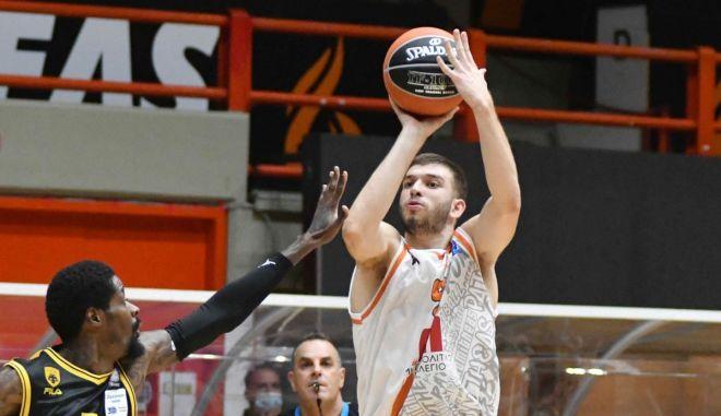 Ο Ρογκαβόπουλος θέλει να γυρίσει σελίδα