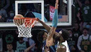 NBA Top-10: Φοβερός Τζέιλεν Μπράουν, έκανε πόστερ τον Μπρίτζες στο Νο1