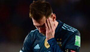 """Μέσι: """"Ο διαιτητής κάνει το ίδιο όποτε μας παίζει, φαίνεται ότι το κάνει επίτηδες"""""""