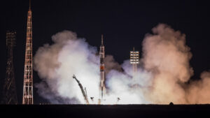 Ρωσία: Η Roskosmos θέλει να πετάξουν κοσμοναύτες της με τα διαστημόπλοια του Μάσκ